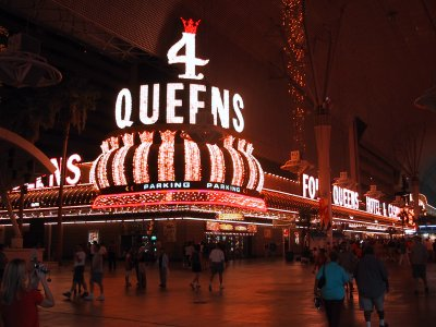 entrance of the 4 queens casino on fremont street